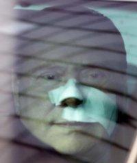 BerlusconiIncerottato.jpg
