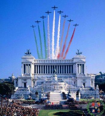 frecce_tricolori_over_vittoriano.jpg