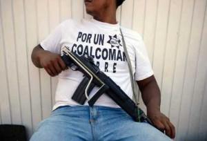 autodefensas-custodia-Aquila-Michoacan