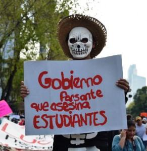 Marcha Ayotzinapa 8 oct 008 (Small)
