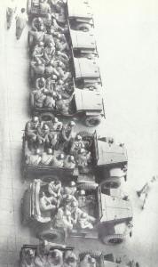 1950, Bologna: la Celere si appresta a sciogliere una manifestazione sindacale.