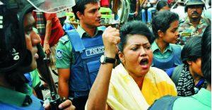 Bangladesh, dicembre 2010. Arresto di Moshrefa Mishu.